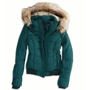 NWT American Eagle AEO Weekend Puffer Jacket
